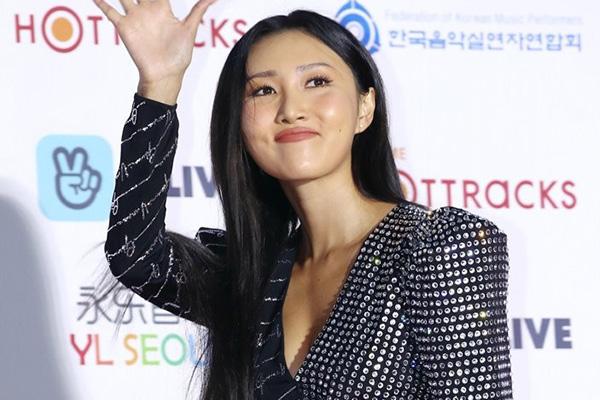 Хва Са из MAMAMOO завершила работу над первым сольным альбомом