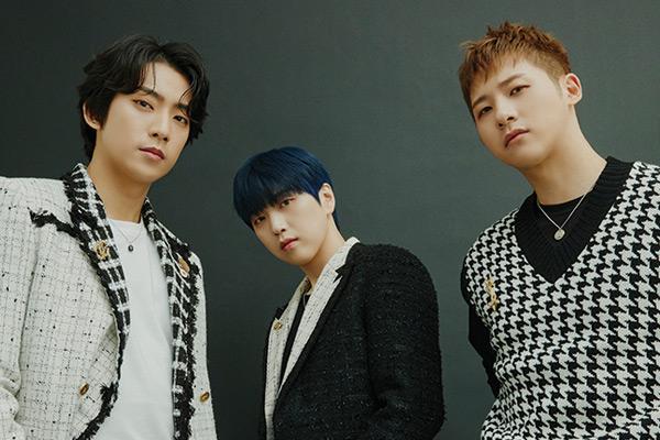 B1A4三人组迈出第一步 时隔3年发行新专辑《Origine》