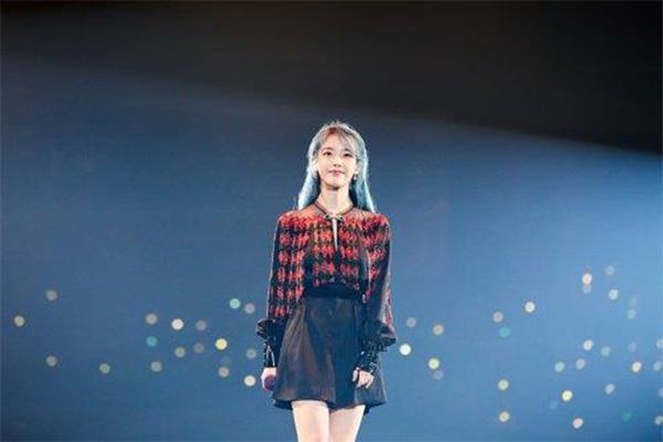 IU正规5辑全新预告照片公开