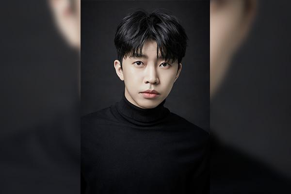 Им Ëн Ун начал работу над саундтреком к сериалу «Джентльмен и девушка»