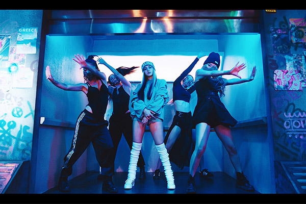 LISA蝉联两周K-POP Radar周榜冠军