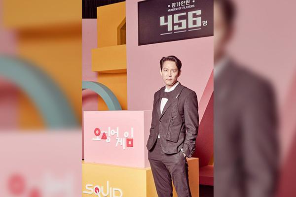 Актёр Ли Чжон Чжэ рассказал об истинном послании сериала «Игра в кальмара»