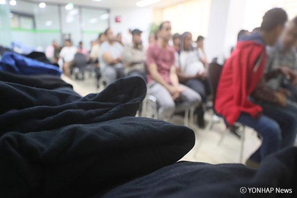 جهود مدنية لمساعدة المتقدمين اليمنيين بطلب اللجوء في جزيرة جيه جو