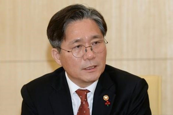 زيارة وزير الصناعة الكوري إلى الإمارات