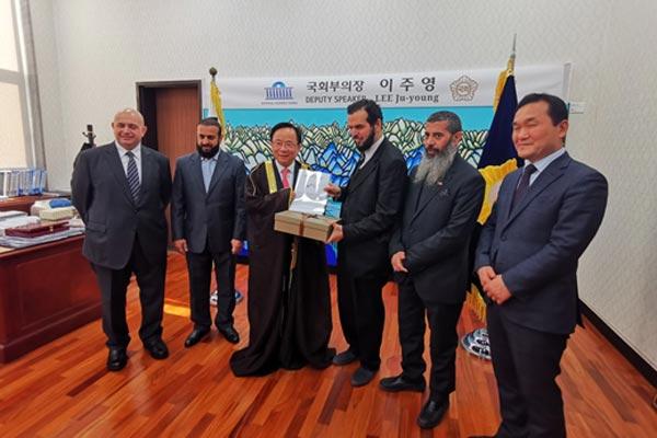 نائب كويتي يؤكد أن كوريا والكويت متشابهتان في سياسة حل النزاعات