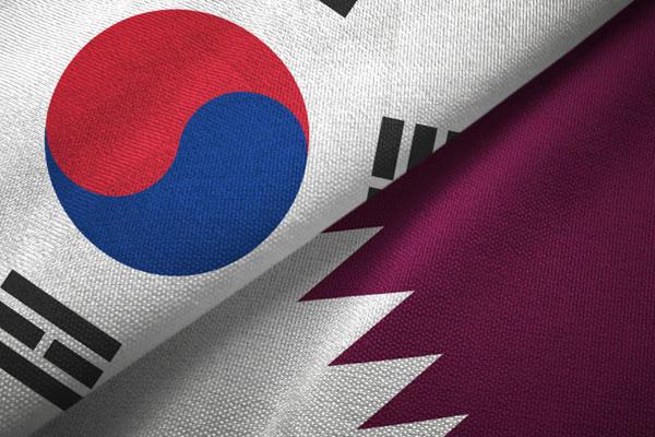 السفير القطري يمنح شهادة شكر لرئيس البعثة الدبلوماسية للثقافة الكورية