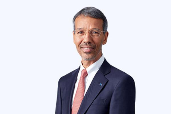 نائب رئيس سام سونغ مغربي الجنسية يحظى باهتمام ساخن