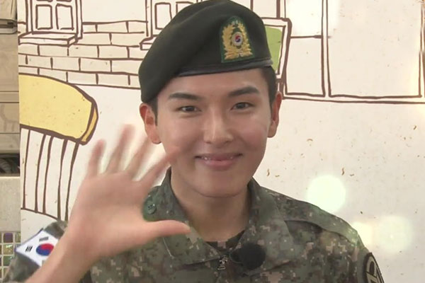Super Junior厉旭退伍 成功举办粉丝见面会