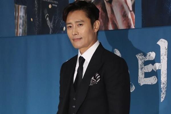 电视剧《阳光先生》备受好评 李秉宪获得APAN STAR颁奖礼大奖