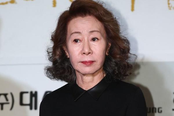 尹汝贞凭《米纳里》获美俄克拉荷马影评人协会最佳女配角奖