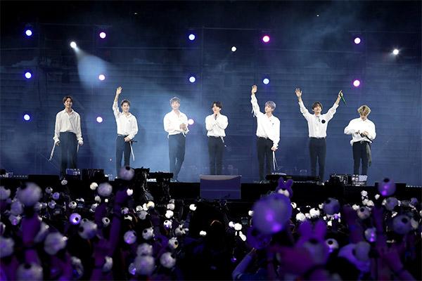 """BTS线上演唱会""""BANG BANG CON21""""创纪录 最多同时吸引270万人收看"""