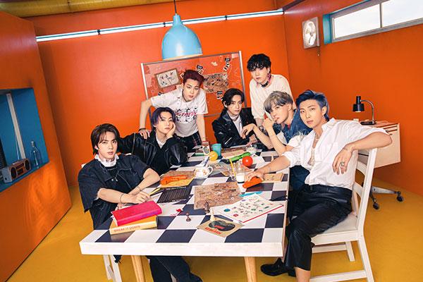 BTS新曲《PTD》登顶公告牌 组合发帖向阿米致谢