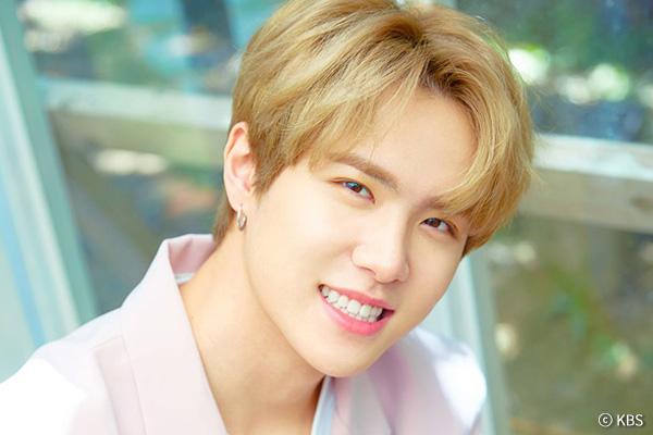 Kim Dong Han jebolan 'JBJ' debut solo bulan Juni