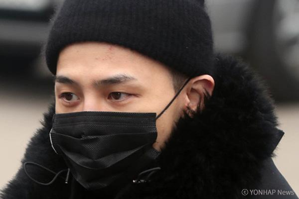 G-Dragon abandona el hospital militar