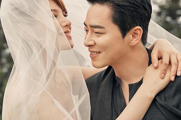 Jo Jung Suk y Gummy se unen en matrimonio