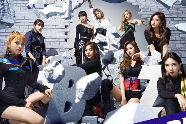 TWICE tops Oricon Monthly chart