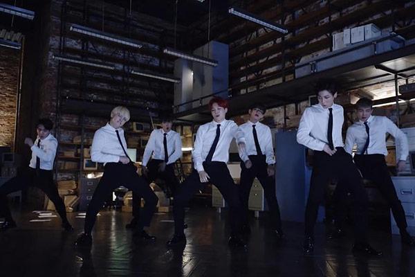MV trăm triệu view mới của BTS lộ diện