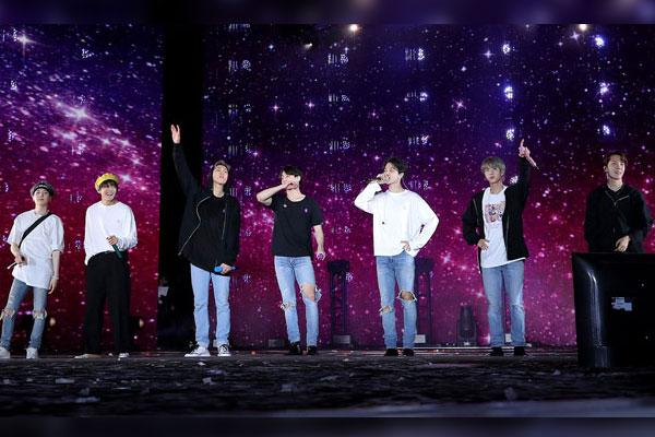 방탄소년단, 美 '빌보드 200' 8위…4주 연속 '톱10'