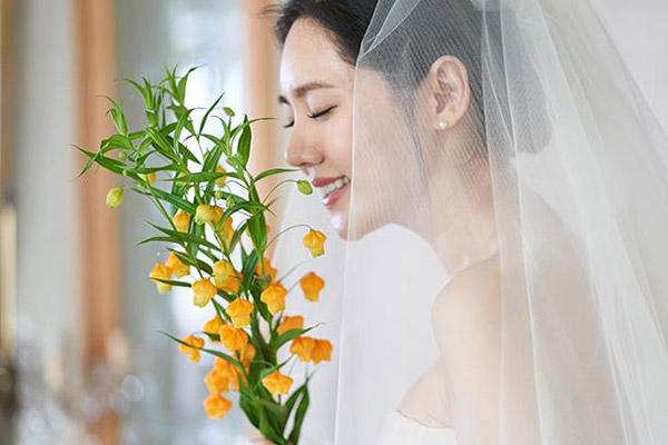 Vợ chồng diễn viên Choo Ja-hyun quyên góp từ thiện cho trẻ em