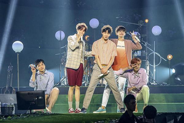 JYP Entertainment Hentikan Divisi Manajemen Aktor