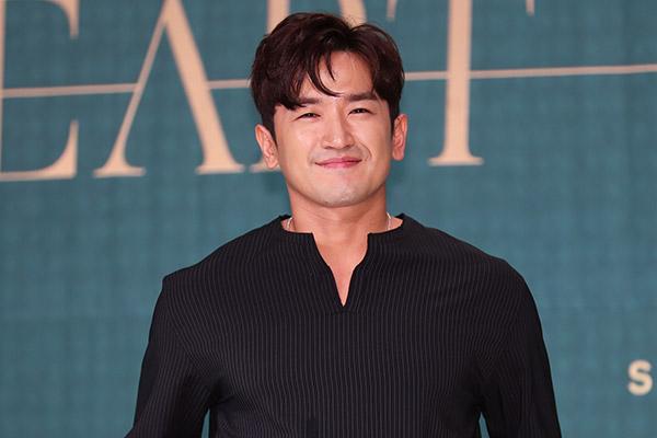 Lee Min Woo Shinhwa Diduga Melakukan Pelecehan Seksual, Agensi Merespon