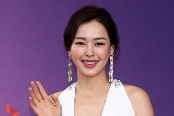 Lee Ha Nee tantea participar en una serie de televisión coproducida entre Corea y Francia