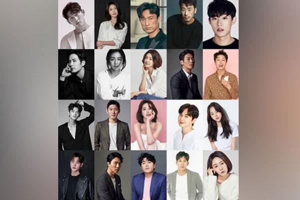 김태희·유승호 등 배우 30명, 스토리제이컴퍼니 대거 이적