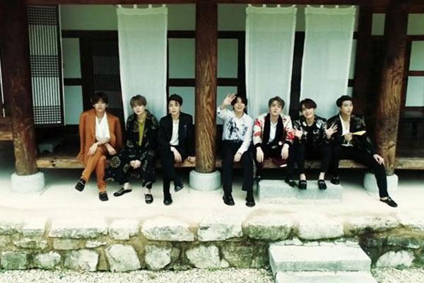 BTS, 완주 한옥마을 배경 '썸머 패키지' 영상 공개