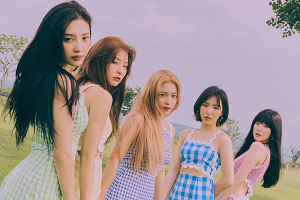 """Ca khúc mới của Red Velvet chiếm """"ngôi vương"""" trên bảng xếp hạng iTunes của 36 quốc gia"""