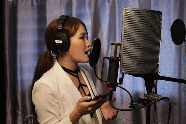Solosängerin Son Seungyeon veröffentlicht Lied für Amerika