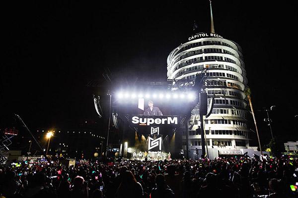 Super M se presenta en EEUU