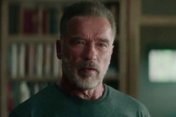 الممثل الأمريكي شوارزنيغر يقوم بزيارة لسيول لترويج فيلمه الجديد