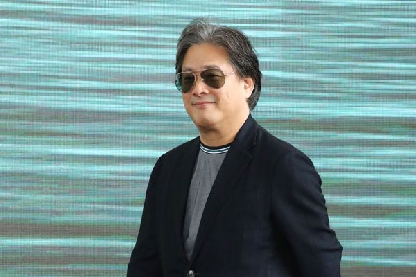 Director Park Chan-wook wins honorary award