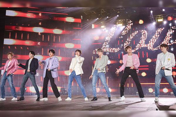 """빌보드 """"BTS 스타디움투어로 1천360억원 매출…10월 세계 2위"""""""