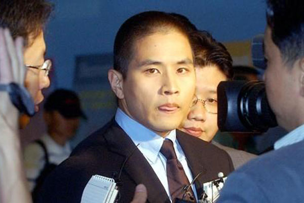 Court rules against entry ban on Korean-American singer Yoo Seung-jun