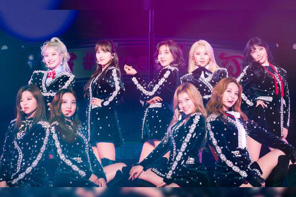 트와이스 일본 2집, 오리콘 앨범차트 1위