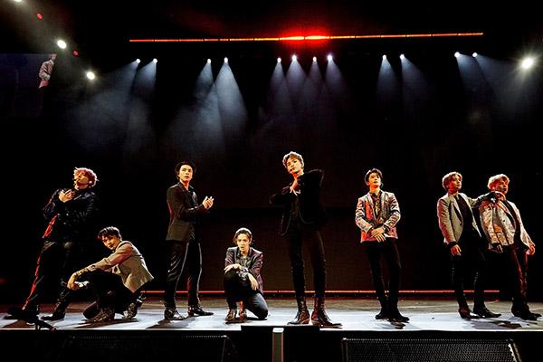 NCT 127 phủ kín các sân khấu âm nhạc cuối năm siêu hoành tráng của Mỹ
