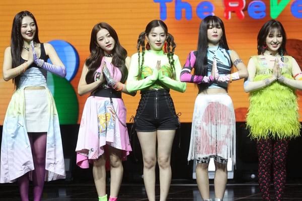 Neues Album von Red Velvet führt iTunes Charts in 42 Ländern an