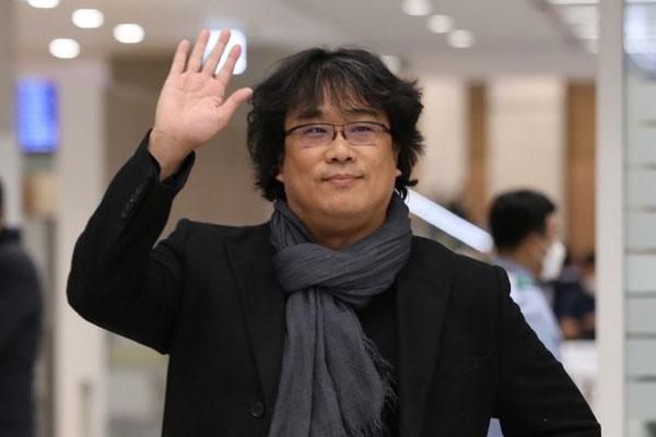 Triumphaler Empfang für den heimkehrenden Regisseur Bong Joon-ho
