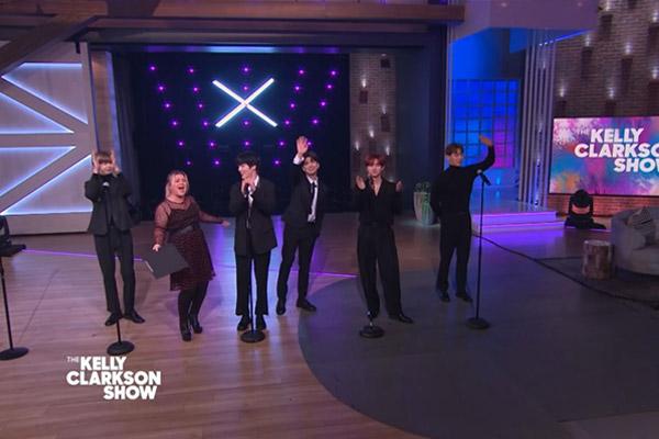 Monsta X visita el show de Kelly Clarkson