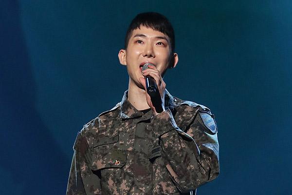 Jo Kwon (2AM) finaliza el servicio militar