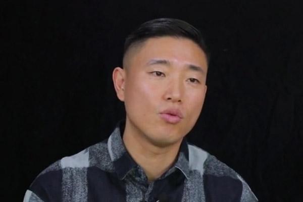 Gary ký hợp đồng với công ty quản lý MC Mong
