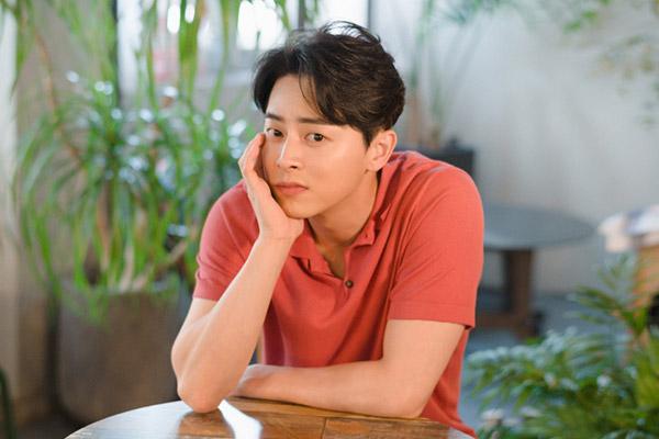 Mengurangi Biaya Produksi, Jo Jung Suk dengan Sukarela Memotong Gaji di 'Hospital Playlist'