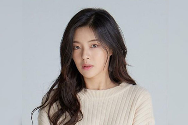 배우 이선빈, 소속사와 전속계약 분쟁