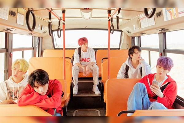 투모로우바이투게더 신보, 일본 오리콘 차트 정상