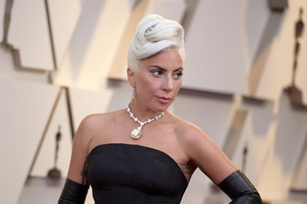 "Lady Gaga dan BLACKPINK Puncaki Tangga Lagu iTunes Seluruh Dunia dengan ""Sour Candy"""
