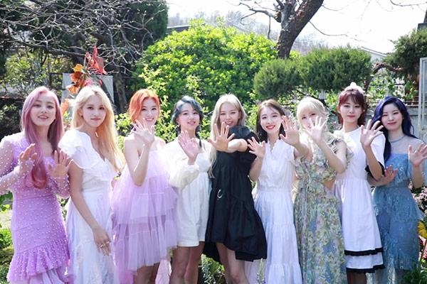TWICE新曲MV 海外造形作家の作品と類似 JYPが認める