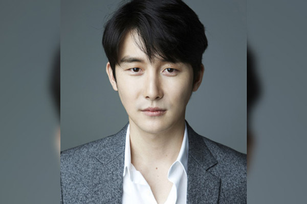 김준한, 호두앤유 전속계약…신하균과 한솥밥