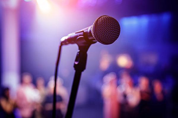 Face au COVID-19, de plus en plus de concerts ont lieu virtuellement