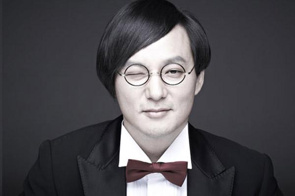 여전히 그리운 '마왕'…신해철 6주기 추모 물결